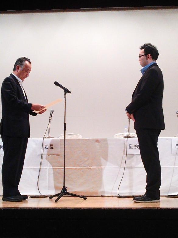 宮武宏輔助教(流通情報学部)が「日本物流学会賞」を授賞されました