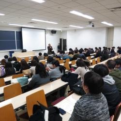 卒論発表会を開催!