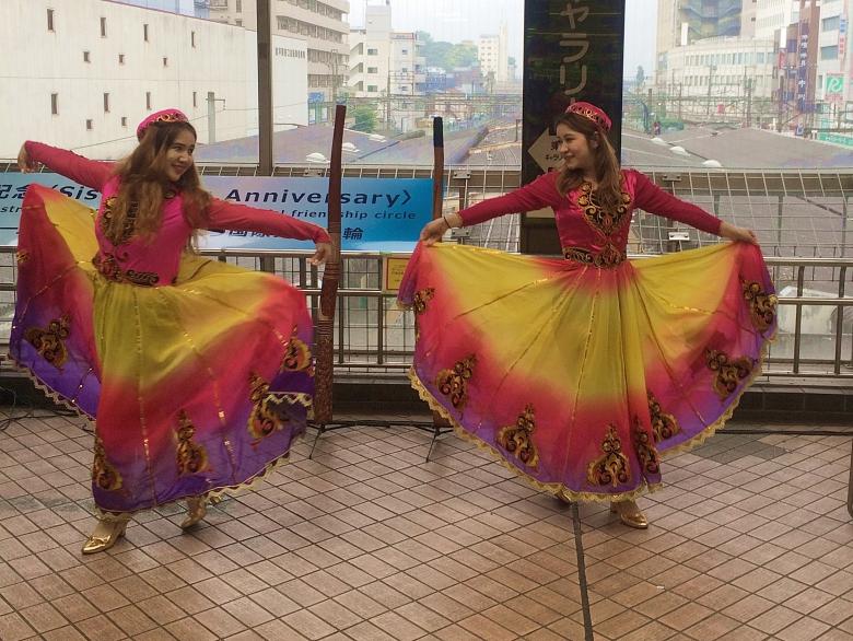 松戸市国際交流イベントに咲いたウィグルの華