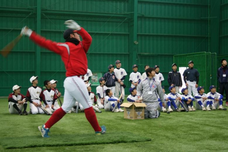 第4回 本学 硬式野球部による野球教室が開催されました