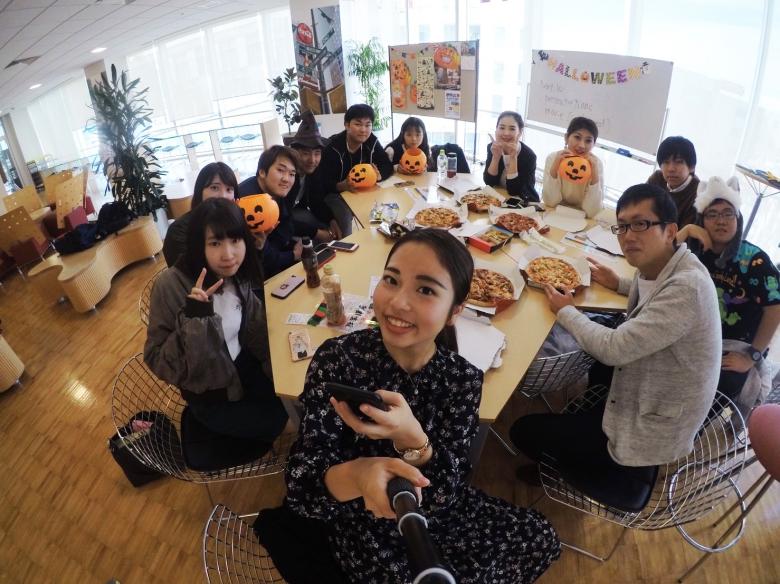 2年澤海ゼミ ハロウィンパーティーで英語学習