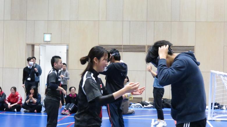 東京2020参画プログラム 「ゴールボール研修・体験会    − 大学生が県内開催競技を体験 − 」